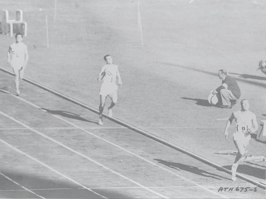 Melbourne 1956, Derek Johnson of Great Britain finishes third behind Richard Kevan Gosper of Australia and Thomas Courtney of USA.