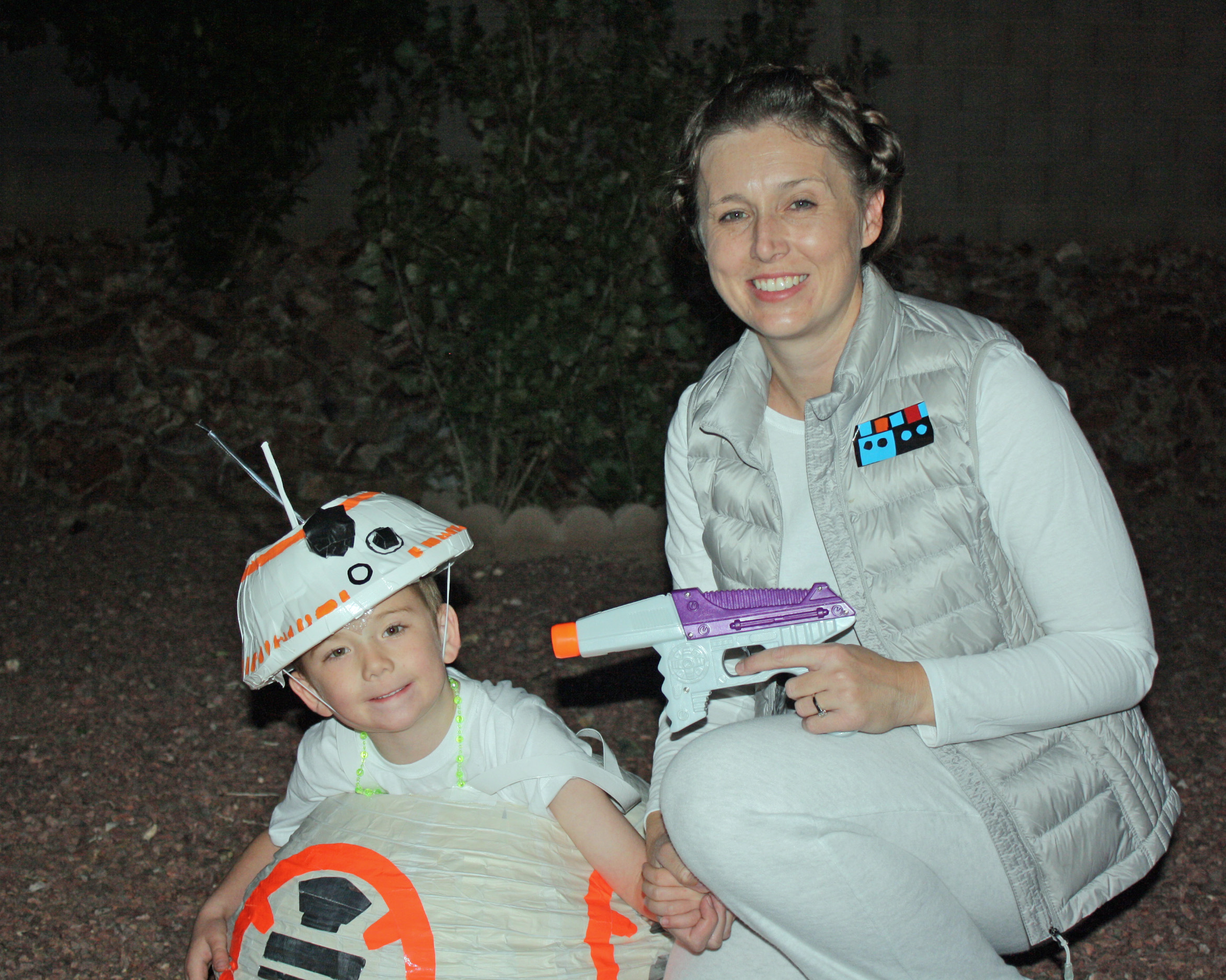 BB-8-and-Leia-Costumes