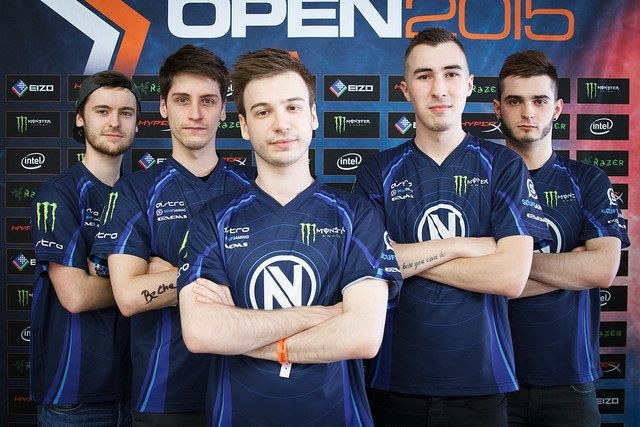 20 of the best eSports teams from worst to best dressed