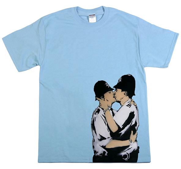 banksy, banksy gay pride t-shirt, banky gay pride, banksy t-shirt