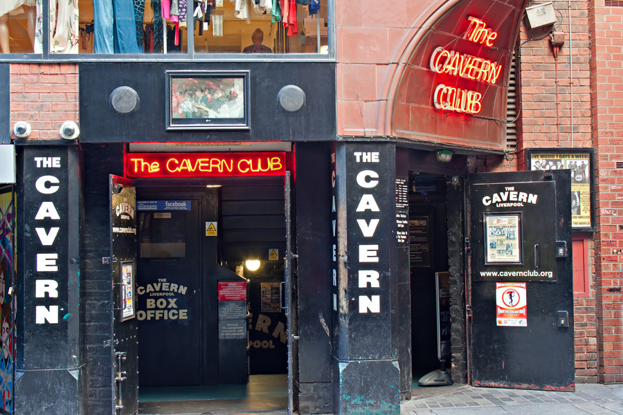 cavern-club-front-neon-sign