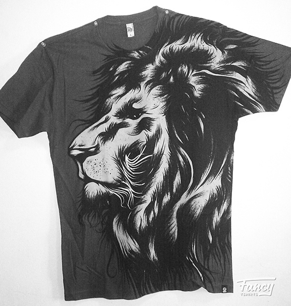 lion face t-shirt, lion t-shirt, artistic t-shirt, art on t-shirt, art, t-shirt