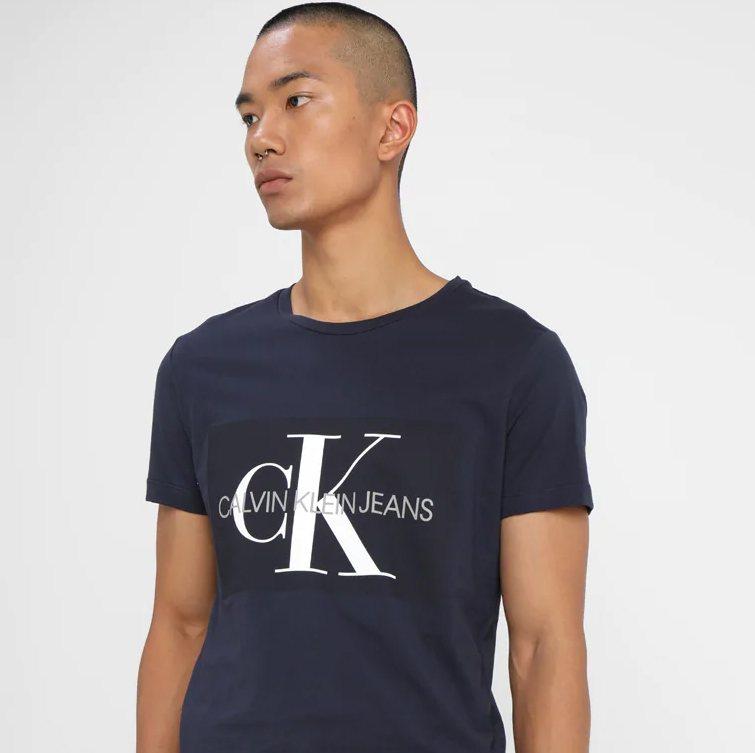 t-shirt trends 2018, calvin klein, logos